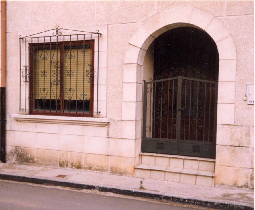Pin puertas forja accesorios monterrey otros servicios - Puertas metalicas roper ...