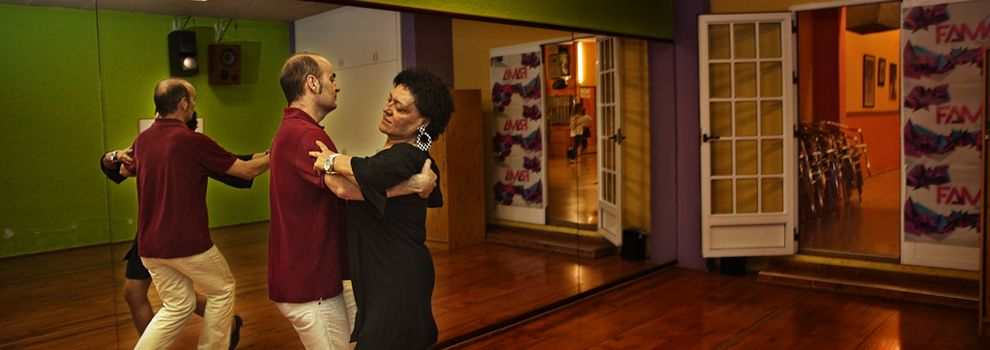 Ballroom dancing schools in Valencia | Lnea de Baile