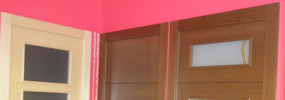 Puertas de madera en sant andreu barcelona portes i for Puertas madera barcelona