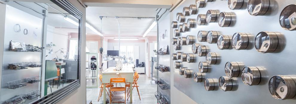 Curso de diseño de joyas en el Nou Barris de Barcelona | PuigBCNjoies Escola Taller de Joieria