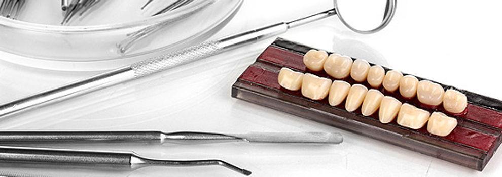 Implante dental en Embajadores, Madrid | Clínicas Sanidental
