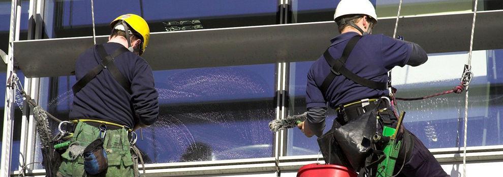Limpieza de garajes en Valladolid | Limpiezas Alameda