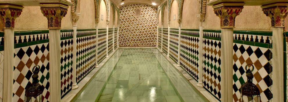 Baños Arabes Antiguos:Baños árabes hammam en Granada