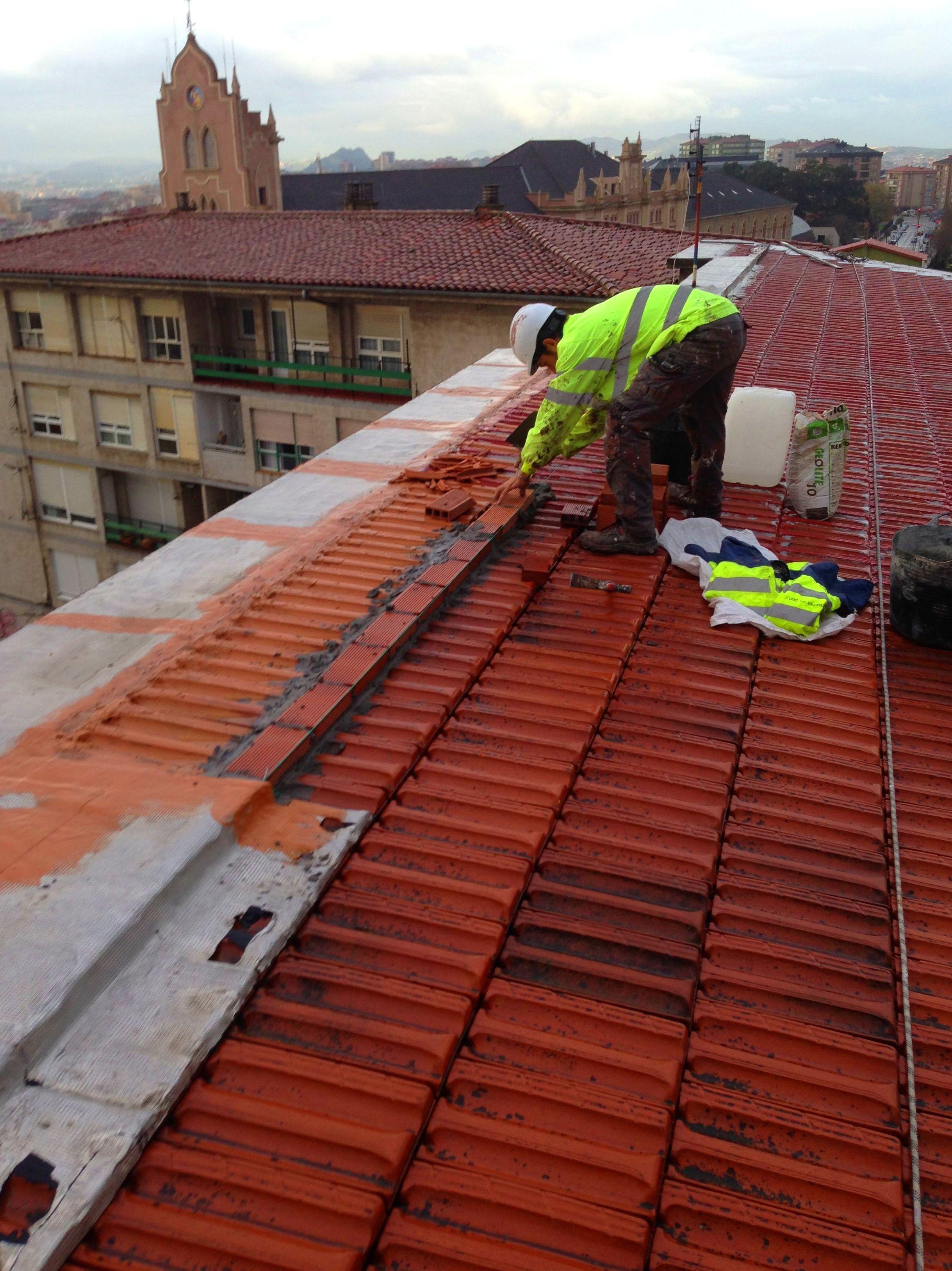 Rehabilitaci n integral de tejado pesebr n limas de zing for Tejados de madera en cantabria