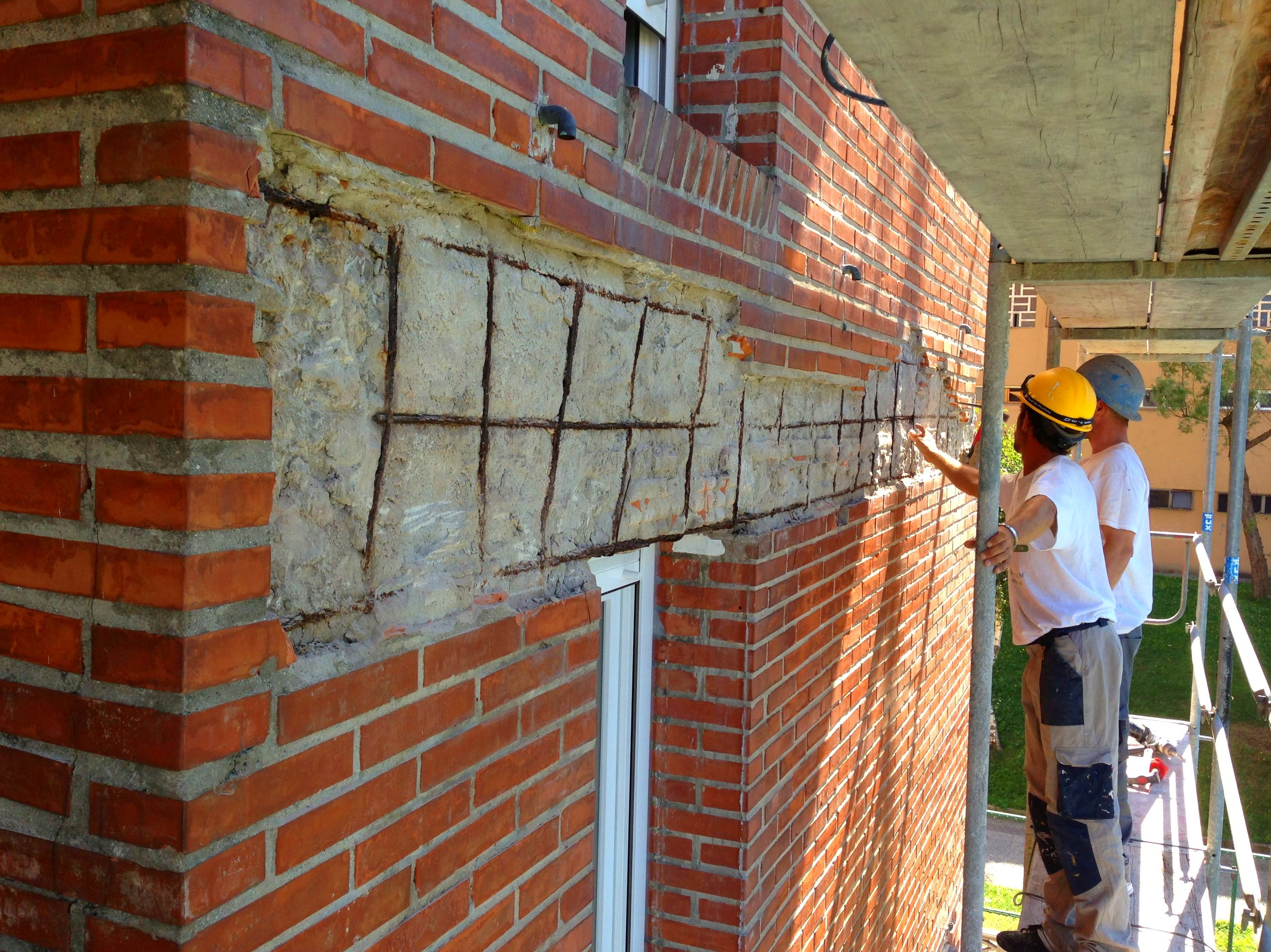 Reparaci n de ladrillo caravista trabajos de fachadas for Reformas de fachadas en palma