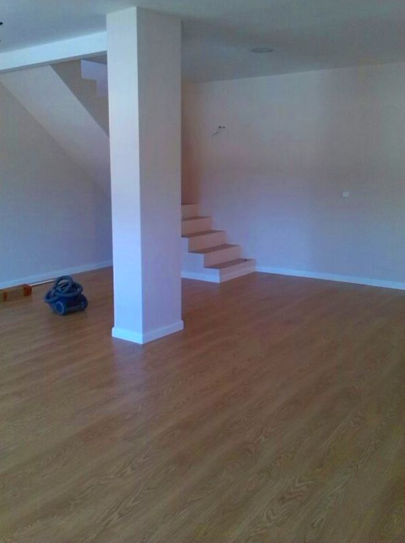 Colocaci n de suelo laminado tarima de madera o parquet for Suelo laminado o tarima