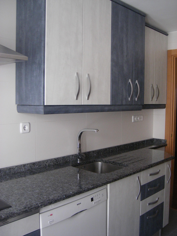 laminado teide gris\u002Dazul, encimera granito azul platino 3 cms