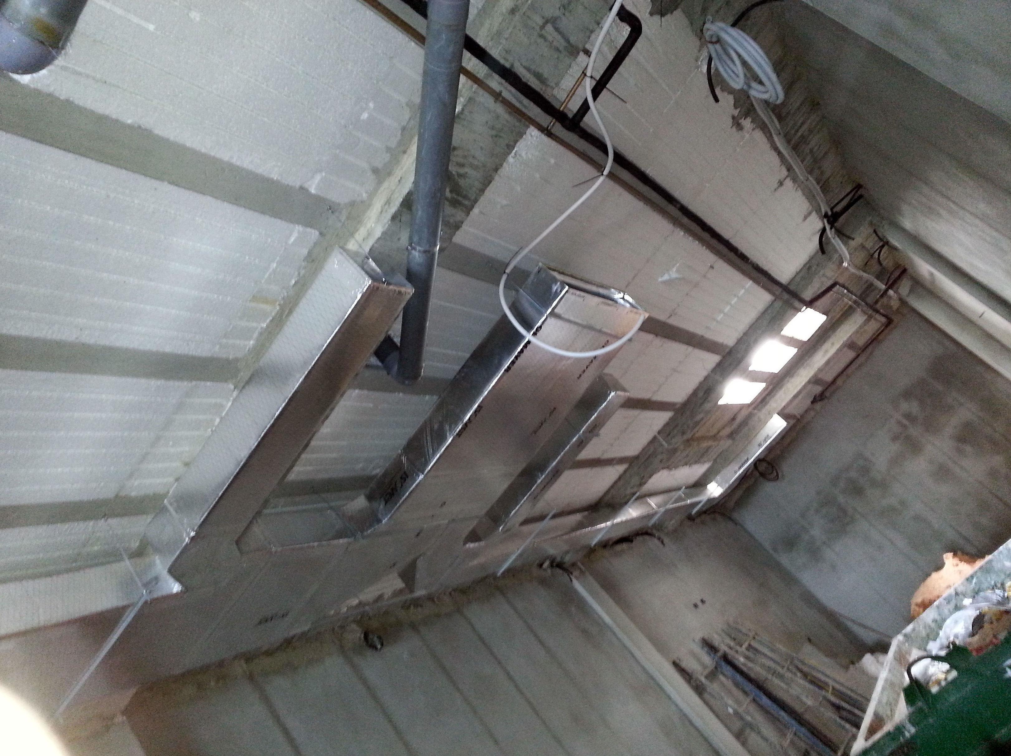 Fabricaci n e instalaci n de conductos de chapa y fibra - Conductos de chapa ...