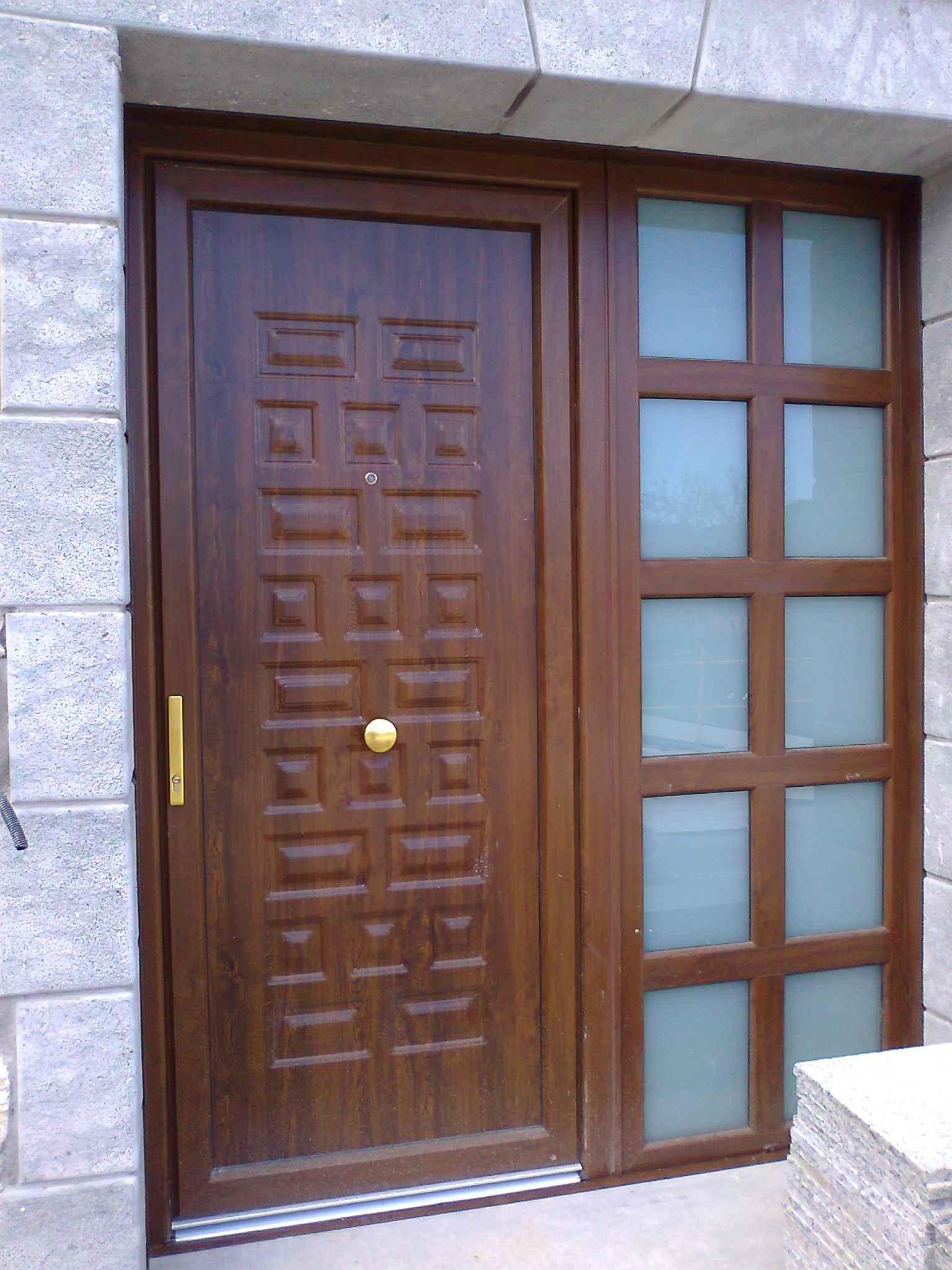 Puertas puertas y ventanas de madera en puerto rico la for Puertas de entrada principal