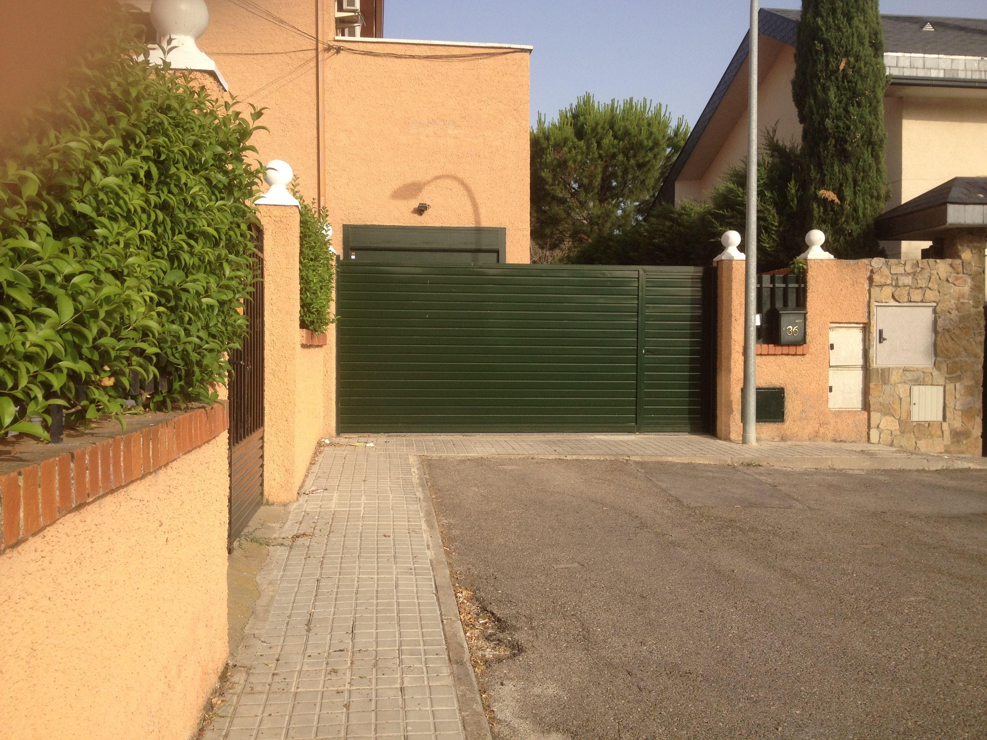 Puertas correderas y abatibles cat logo de puertas j y p - Puertas correderas abatibles ...