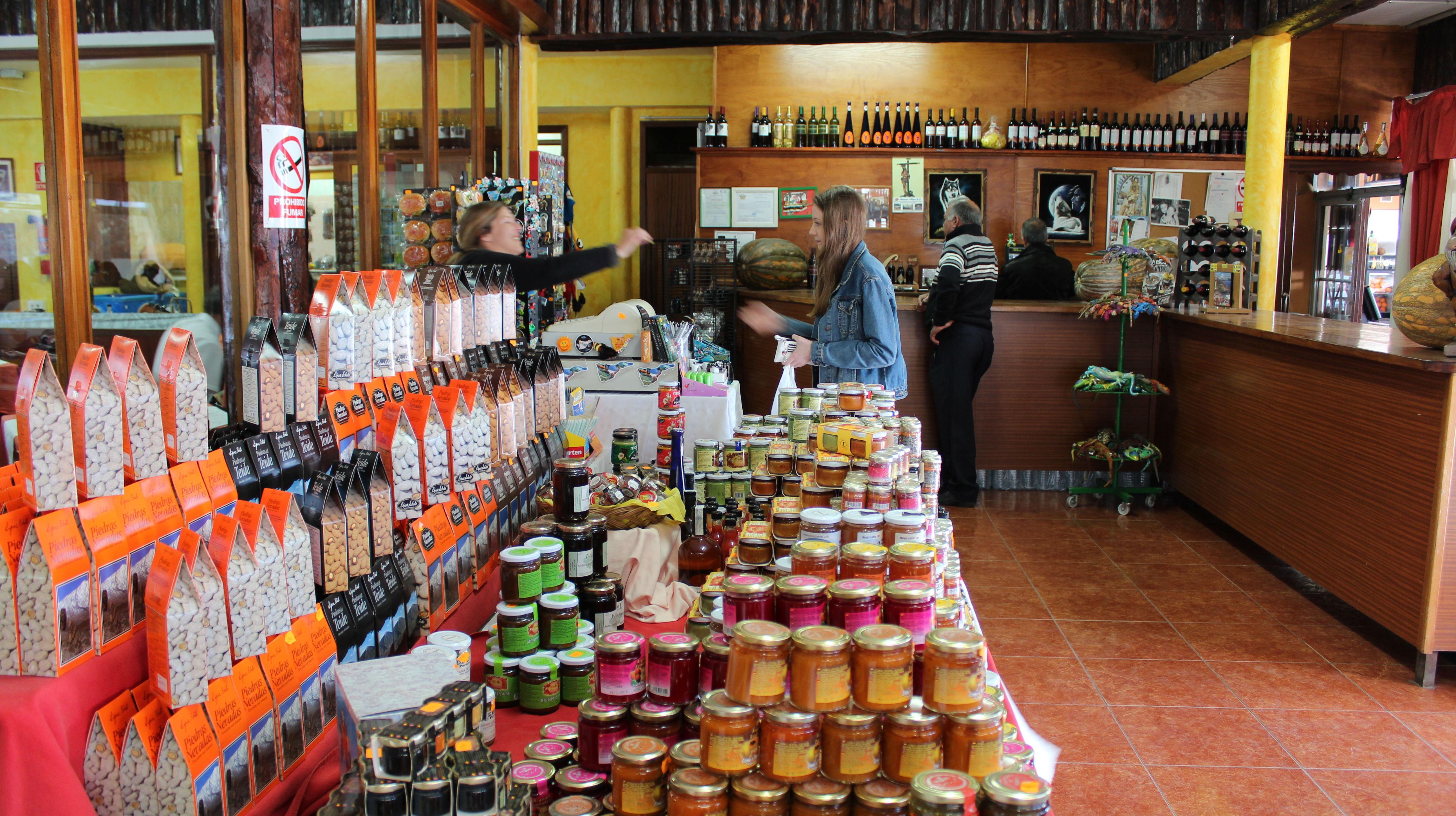 Compra alimentos exquisitos canarios