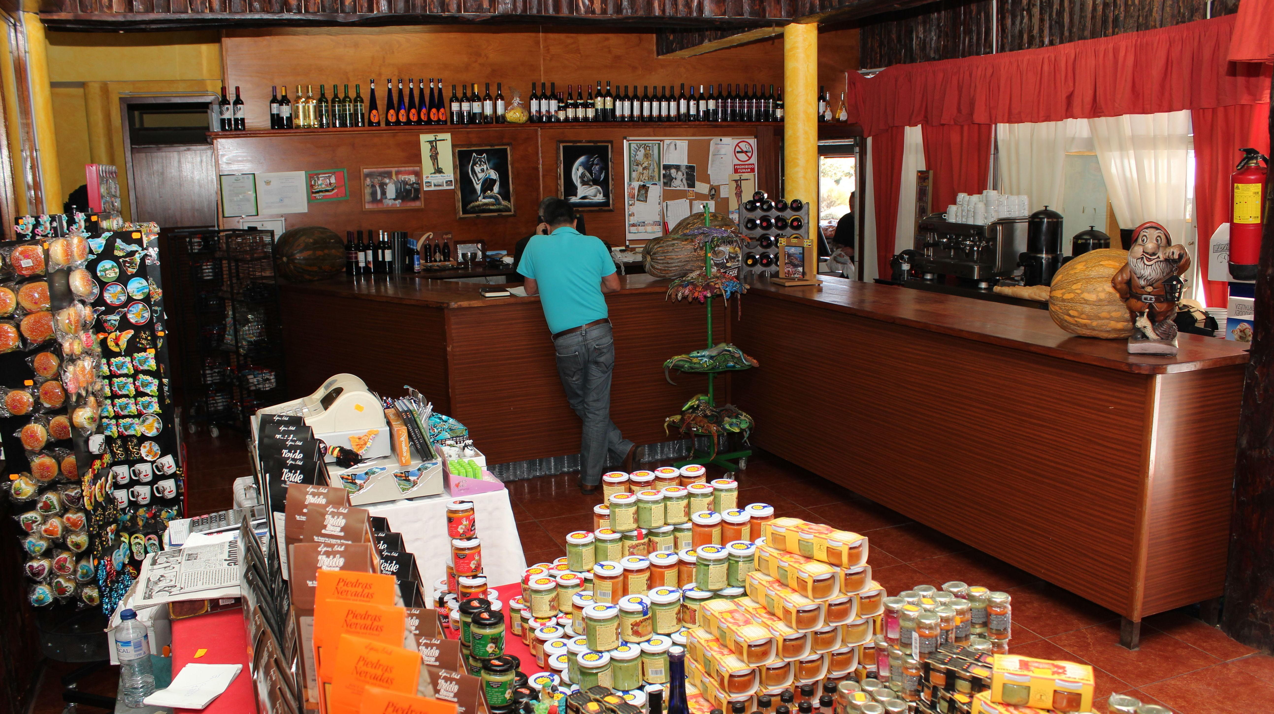 Venta de productos exquisitos de la comida canaria