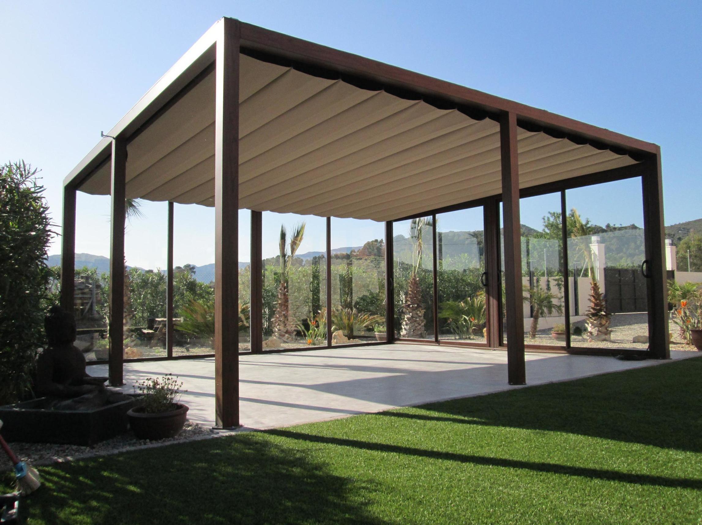 Pergolas en aluminio prgolas de aluminio lona corredera for Estructuras de jardin