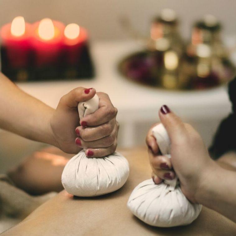 Tratamiento corporal Ayurvedha con Pindas
