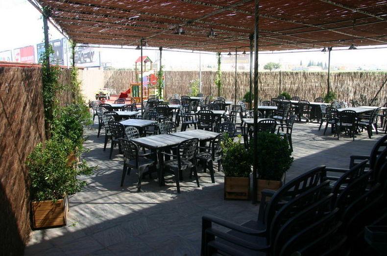 Zona exterior de cafetería