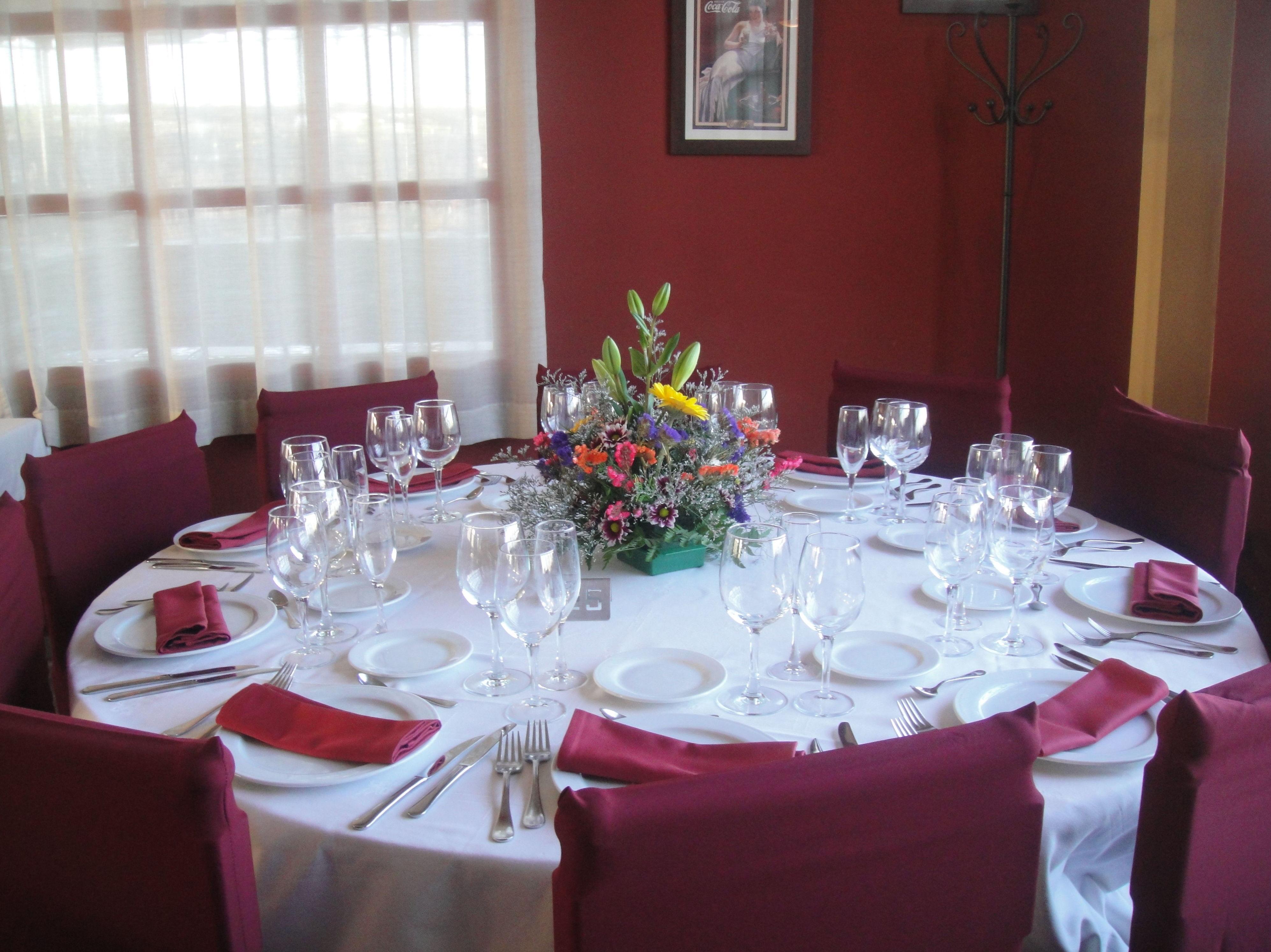 Interior del restaurante El Torreón en Albolote