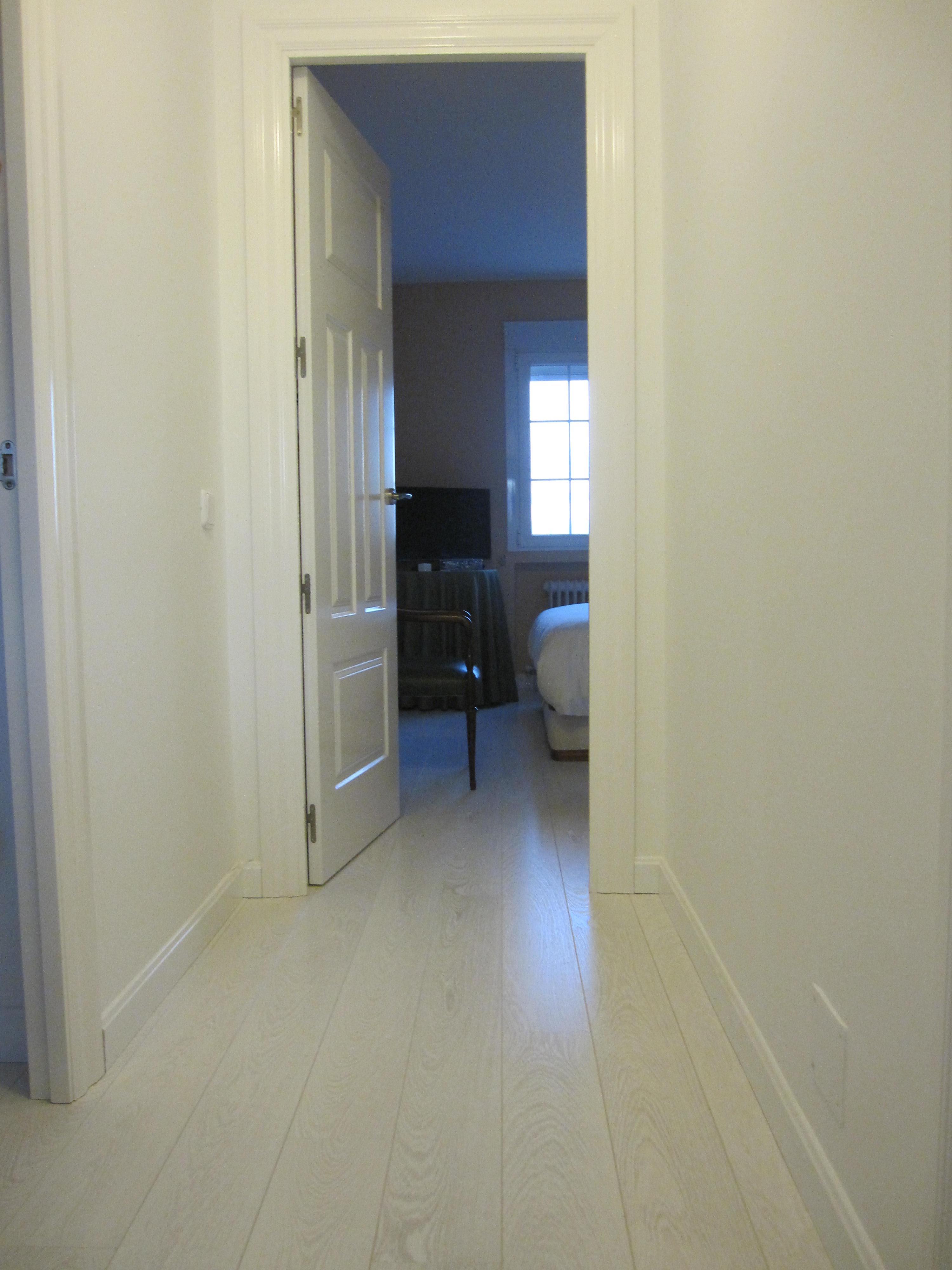 Instalación de puertas lacadas en blanco