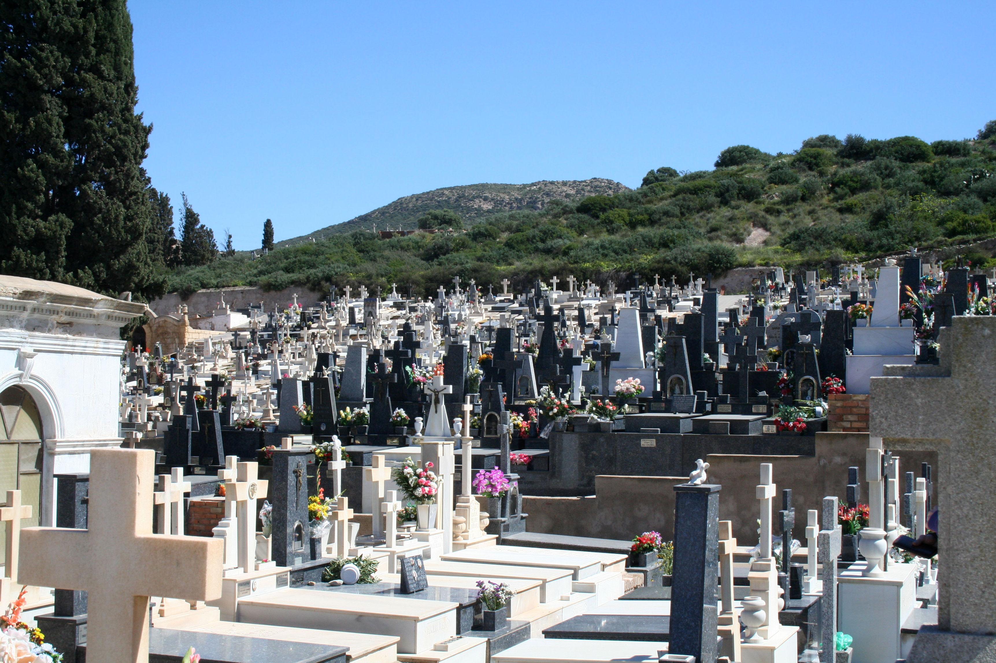 Lápidas de mármol en Navarra