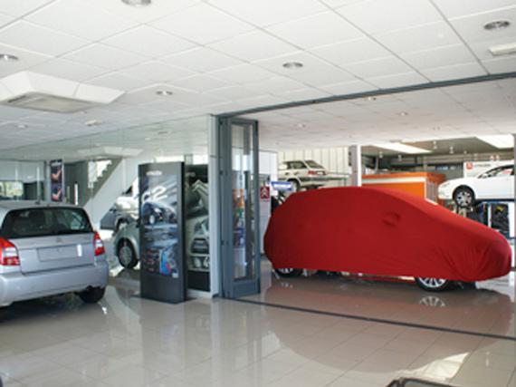 exposición zona entrega vehículo nuevo