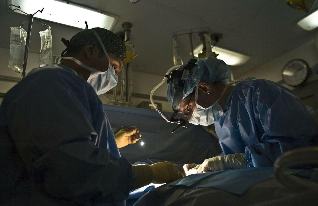 Cirugía de tumores de garganta. Operaciones de amigdalitis y pólipos en Asturias