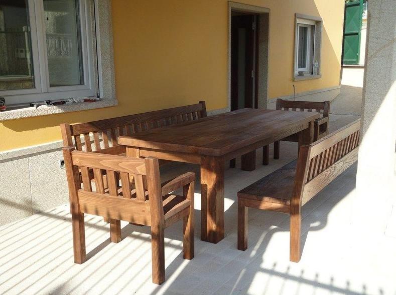 muebles de jardn y escaleras de madera en corua