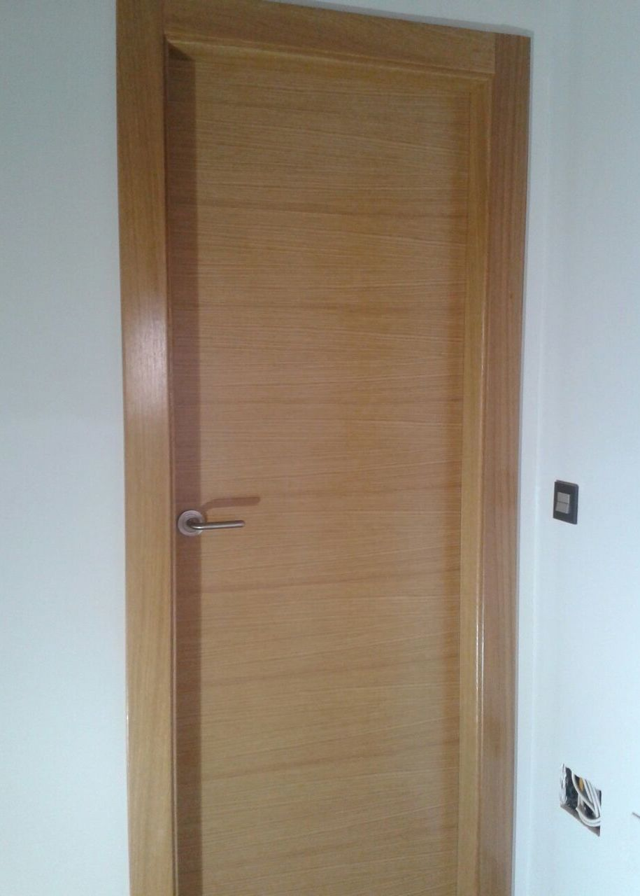 Puertas interior precios elegant malasia precio doble for Precio puertas interior madera maciza