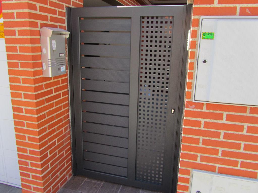 Cancelas modernas en aluminio productos y servicios de aluminco panel s l - Cancelas de hierro ...