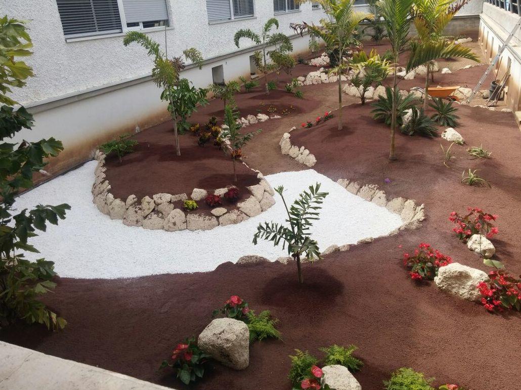 Dise o y construcci n de jardines productos y servicios for Diseno jardines