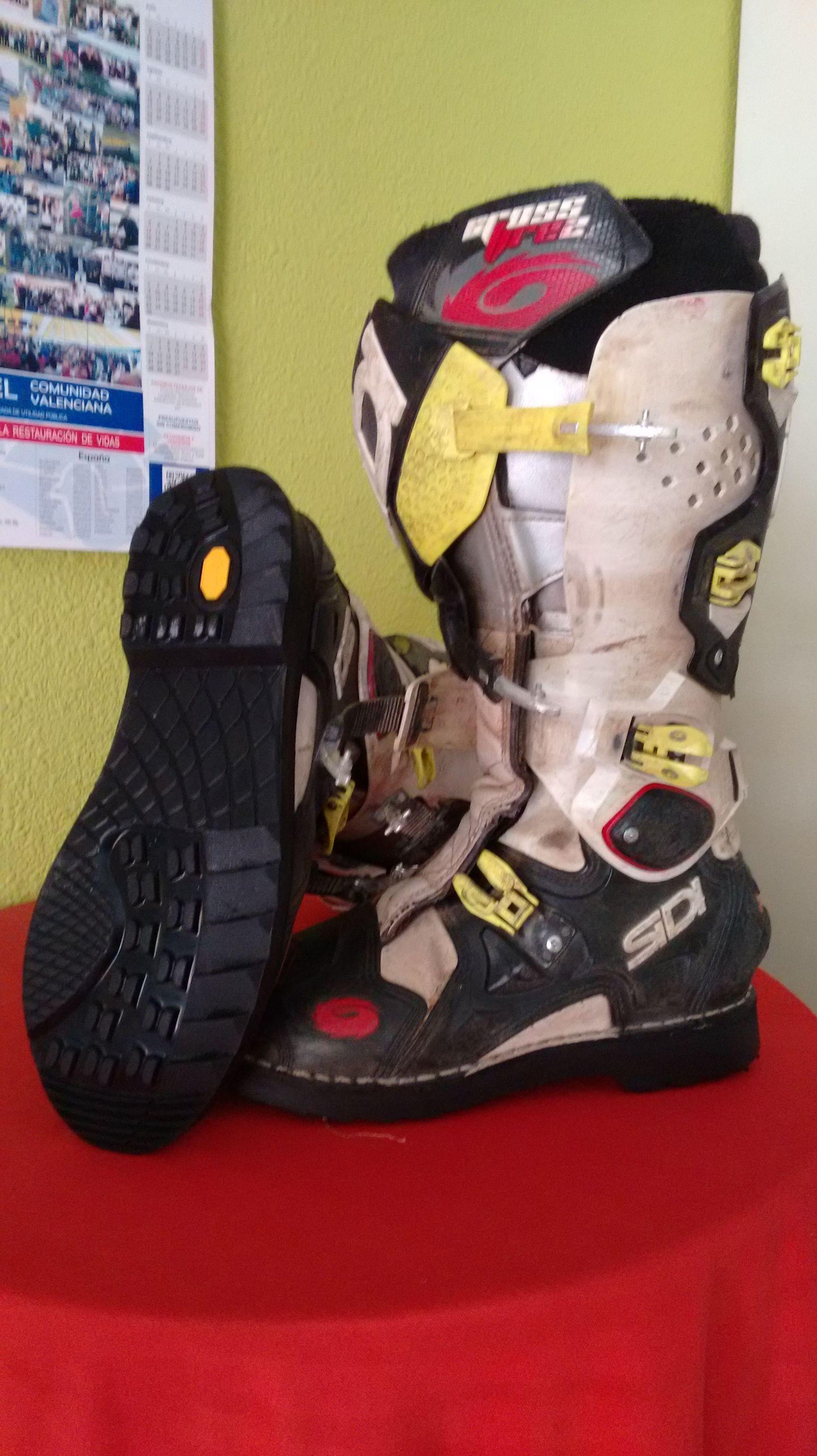 Foto 49 de Reparación de calzado en Castellón | Roig Vidal