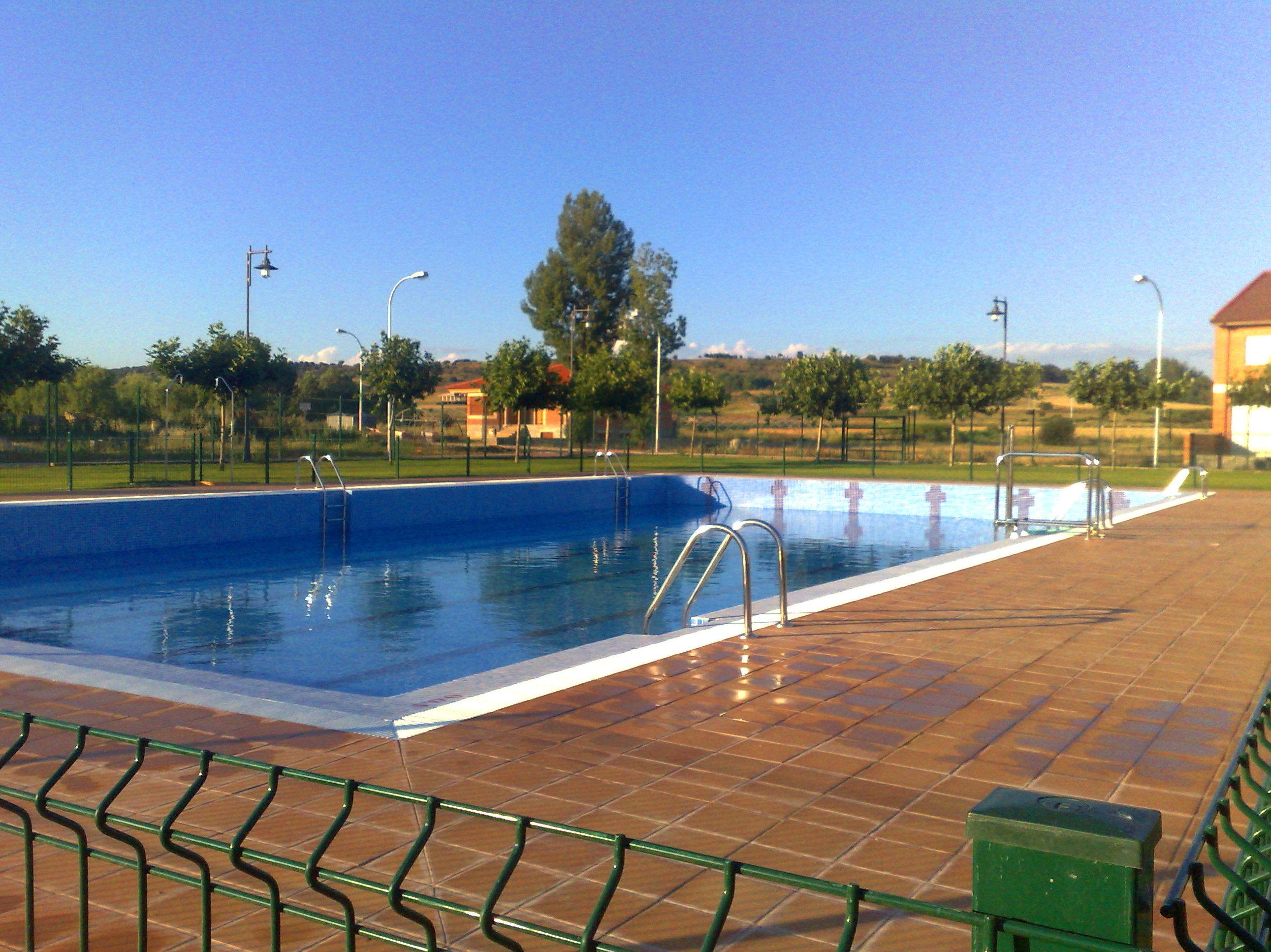 Foto 18 de instalaciones deportivas en le n for Piscinas fluviales leon