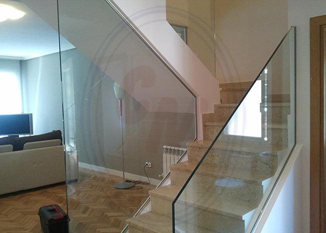 Barandillas y escaleras de cristal madrid productos de - Escaleras y barandillas ...