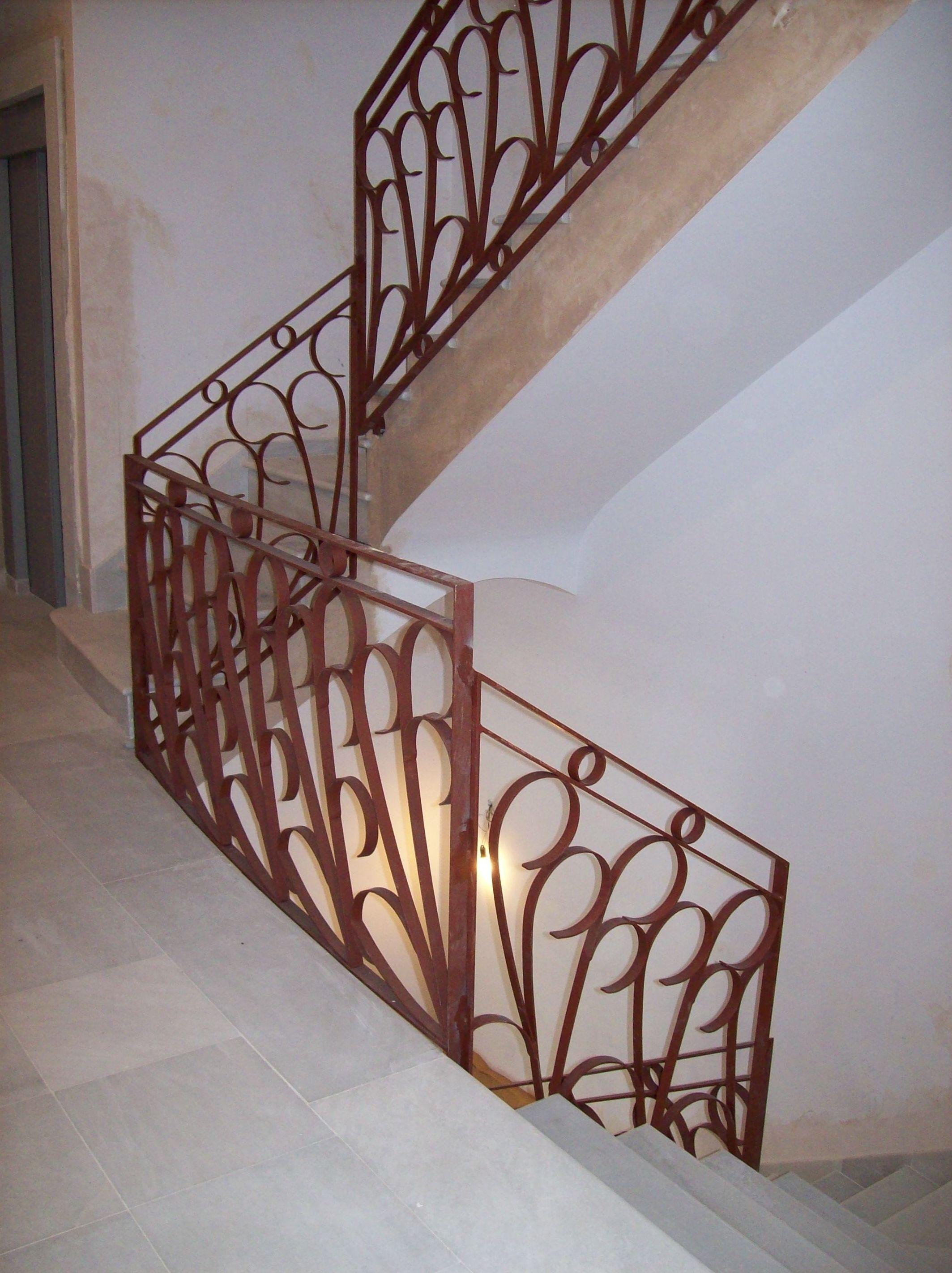 Barandillas de hierro para escaleras encuentre el mejor for Escalera hierro