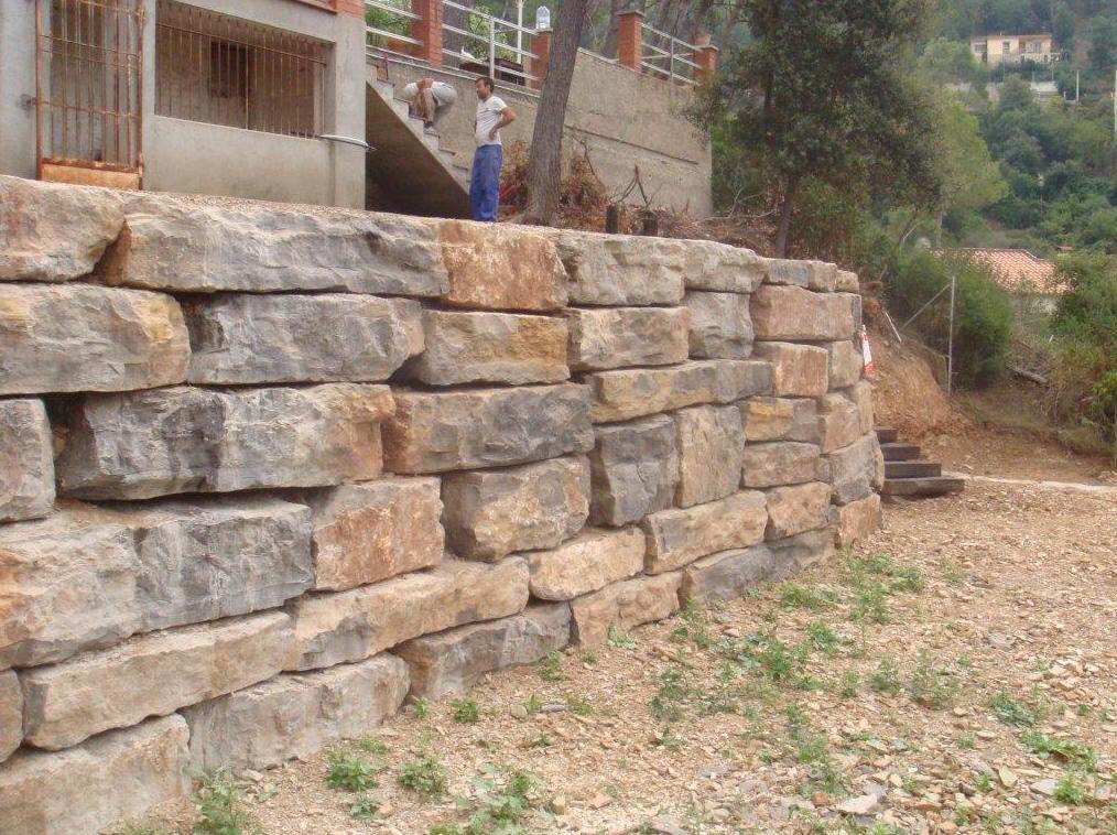 Foto 3 de construcci n de obra nueva en cervell - Muros de rocalla ...