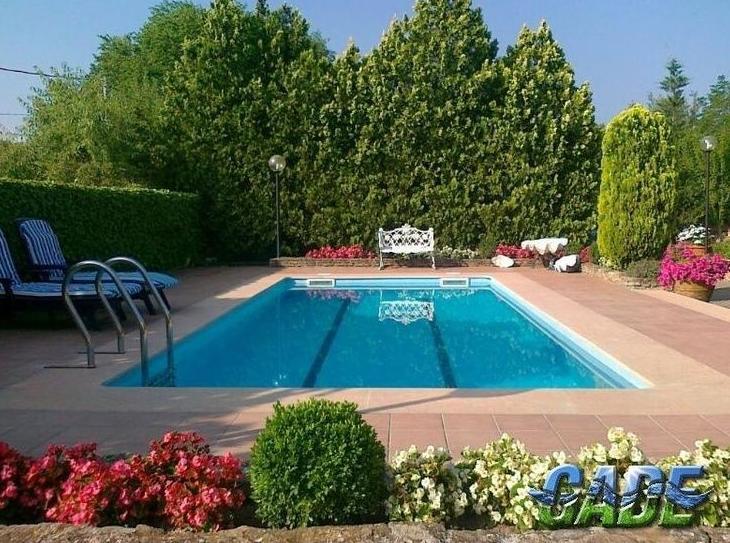 Mantenimiento de jardines logro o for Diseno de jardines modernos con piscina