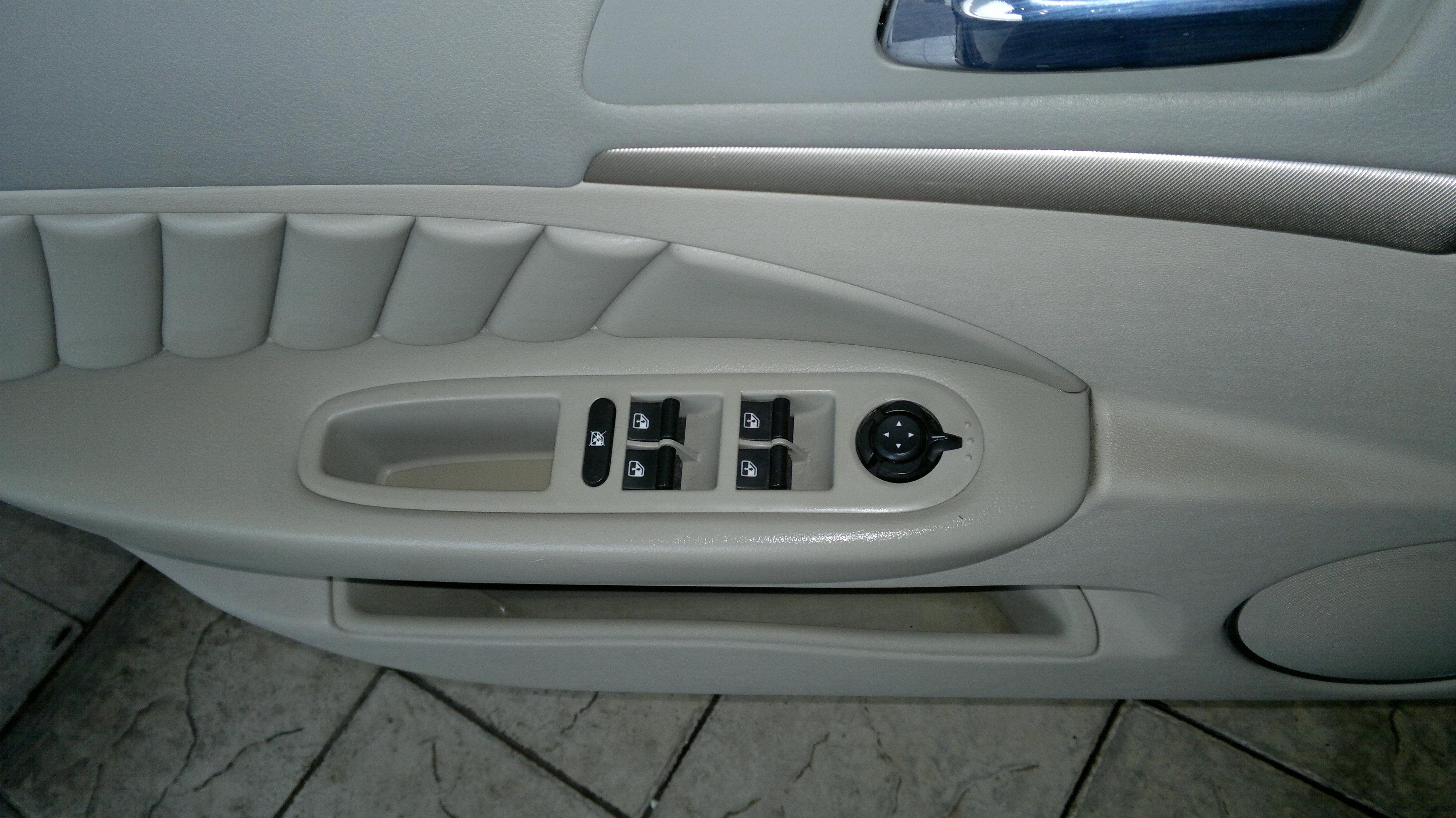 Limpieza tapicer a cuero coche valencia productos de - Tapicerias en valencia ...