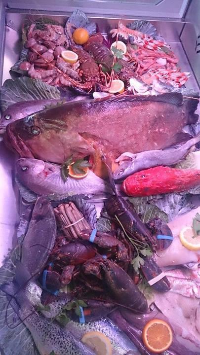 Los pescados más frescos en el Restaurante La Barraca