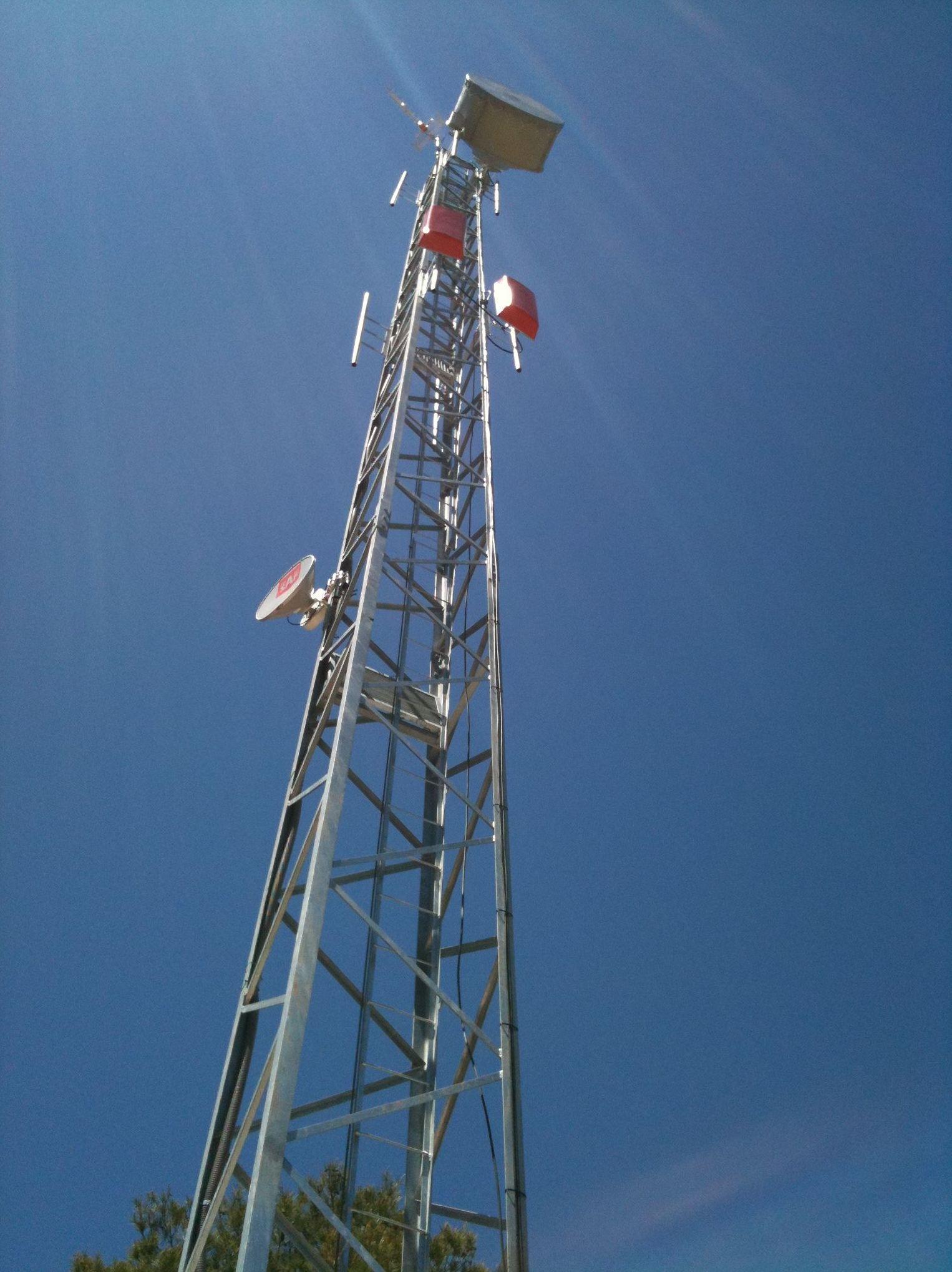 Foto 4 de antenas en granada andigran telecomunicaciones for Antenas parabolicas en granada