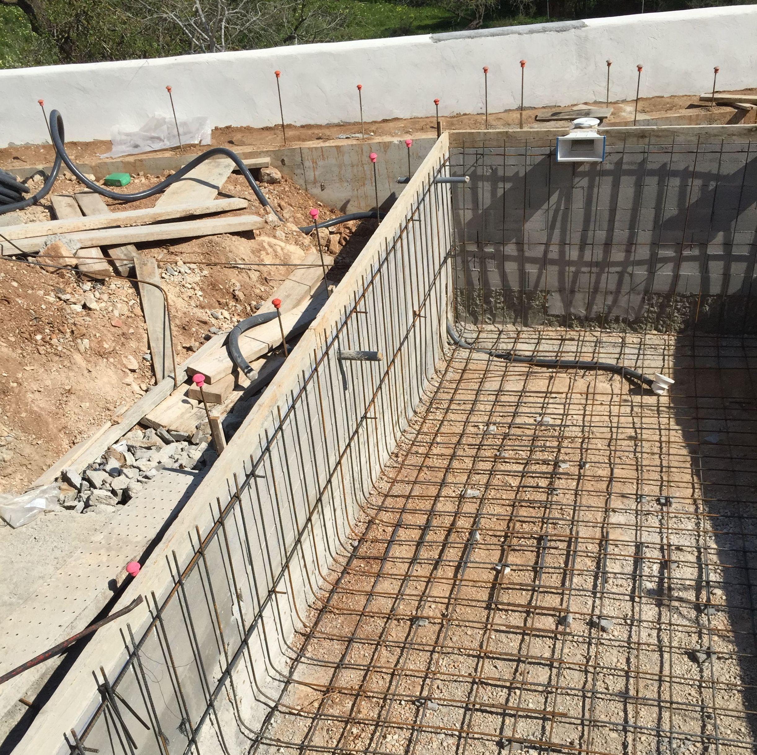 Construcci n de piscinas en alicante mibori construcciones for Construccion de una piscina
