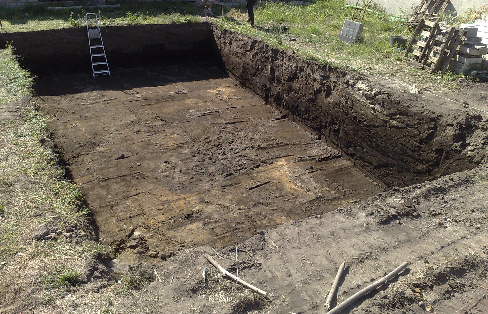 excavacion para piscina terminada