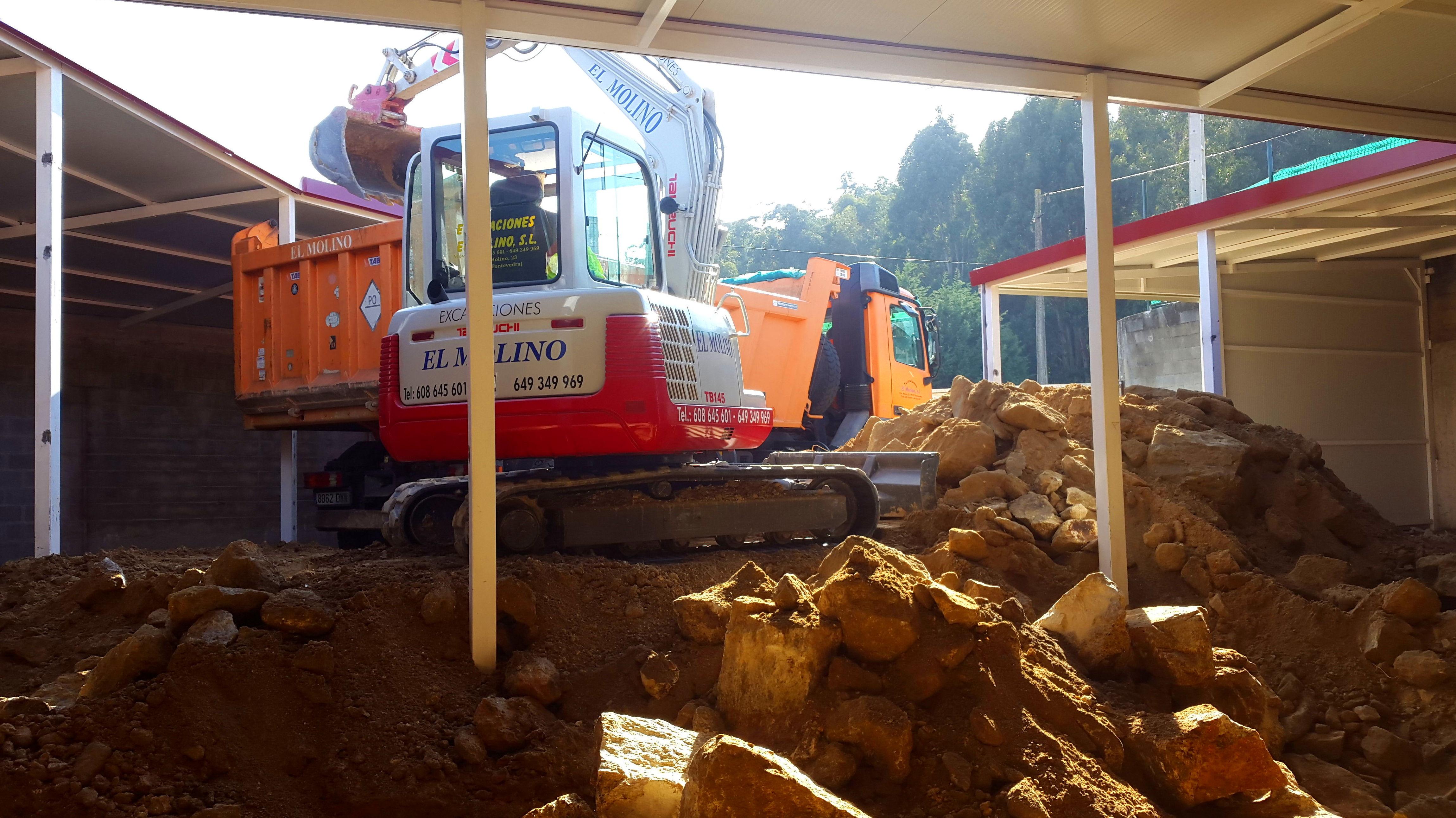 Foto 6 de Excavaciones en  | Excavaciones El Molino, S.L.