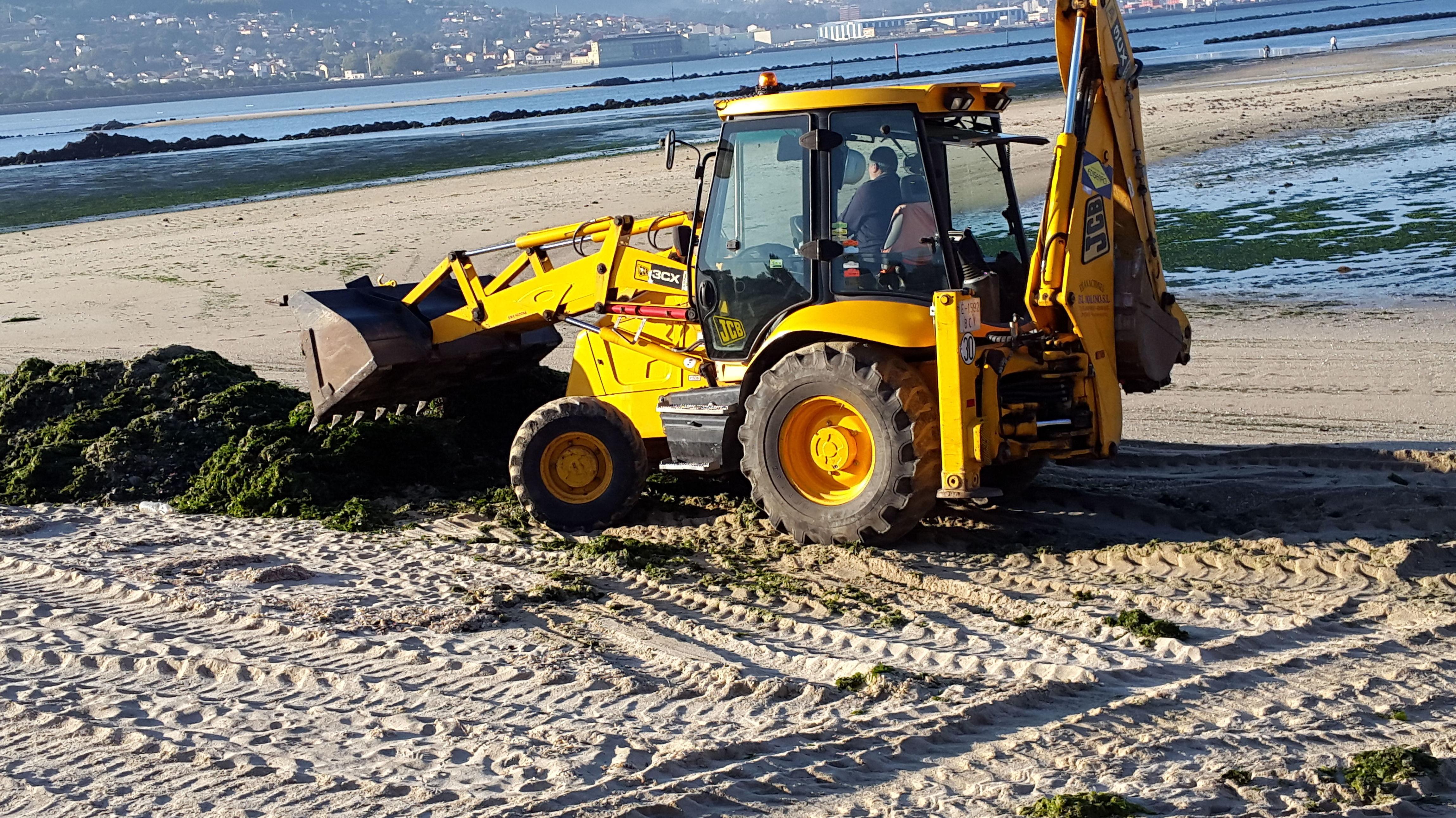 retro - cargadora jcb 3cx: nuestras maquinas de Excavaciones El Molino, S.L.