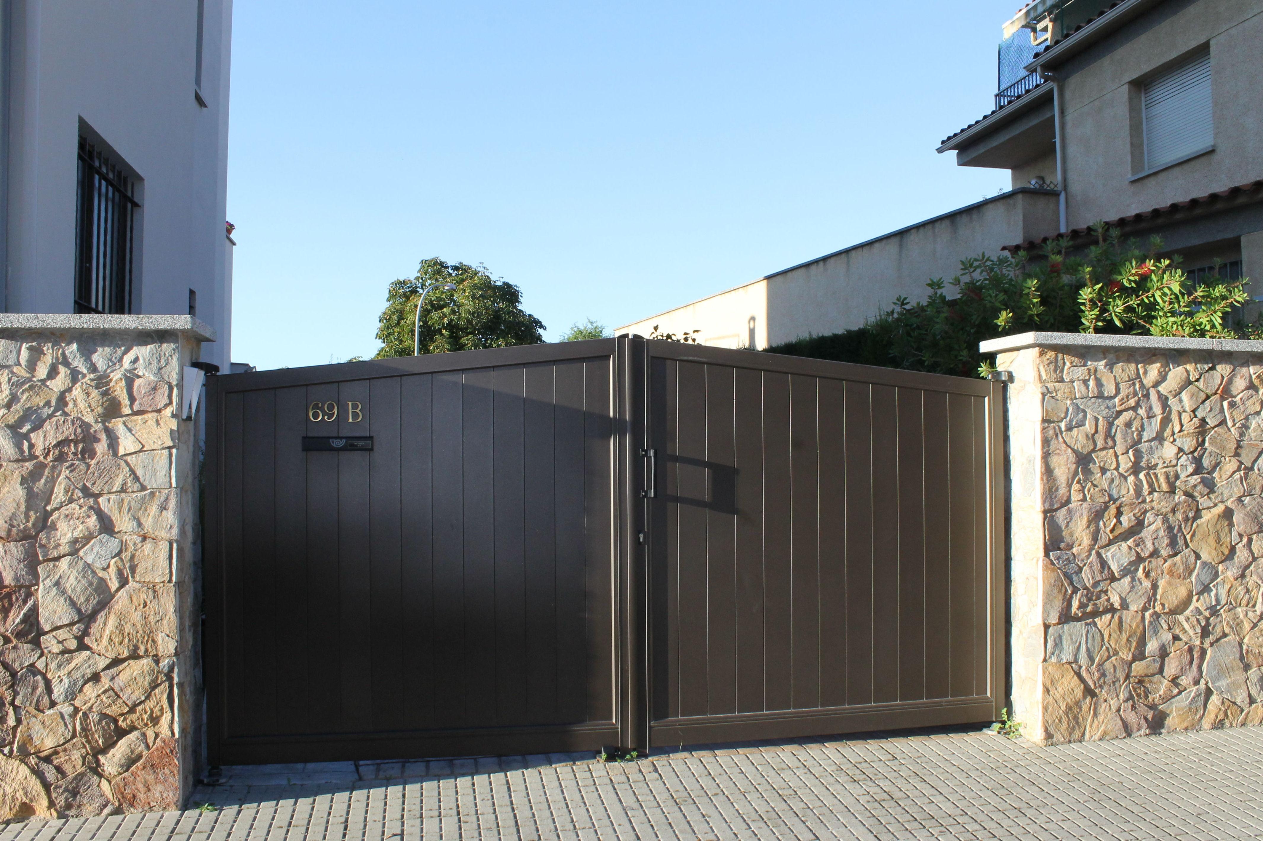 Puertas y vallas de jard n de hierro nuestros productos - Vallas exteriores para casas ...