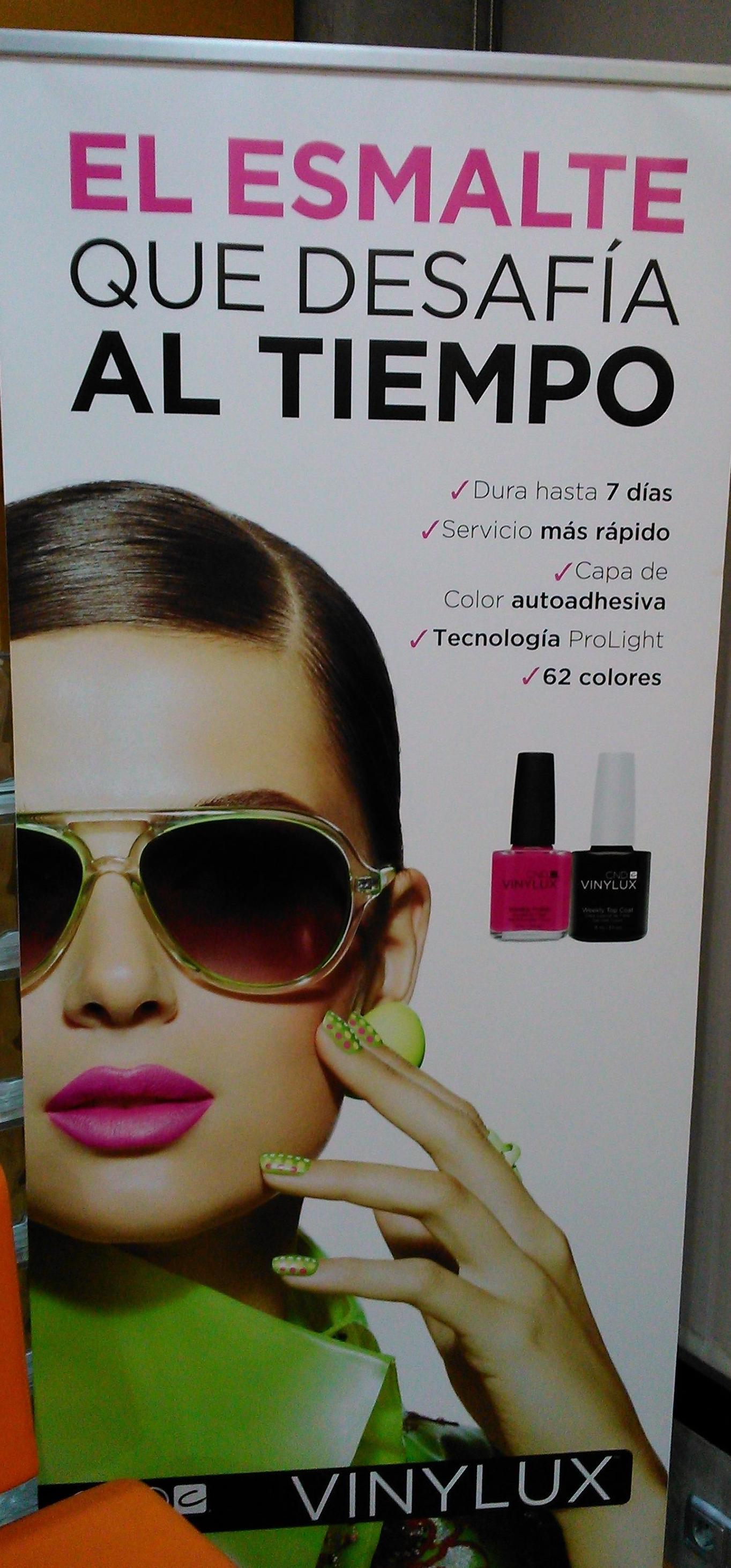 Asía Peluquería, esmaltes de uñas Cnd Vinylux
