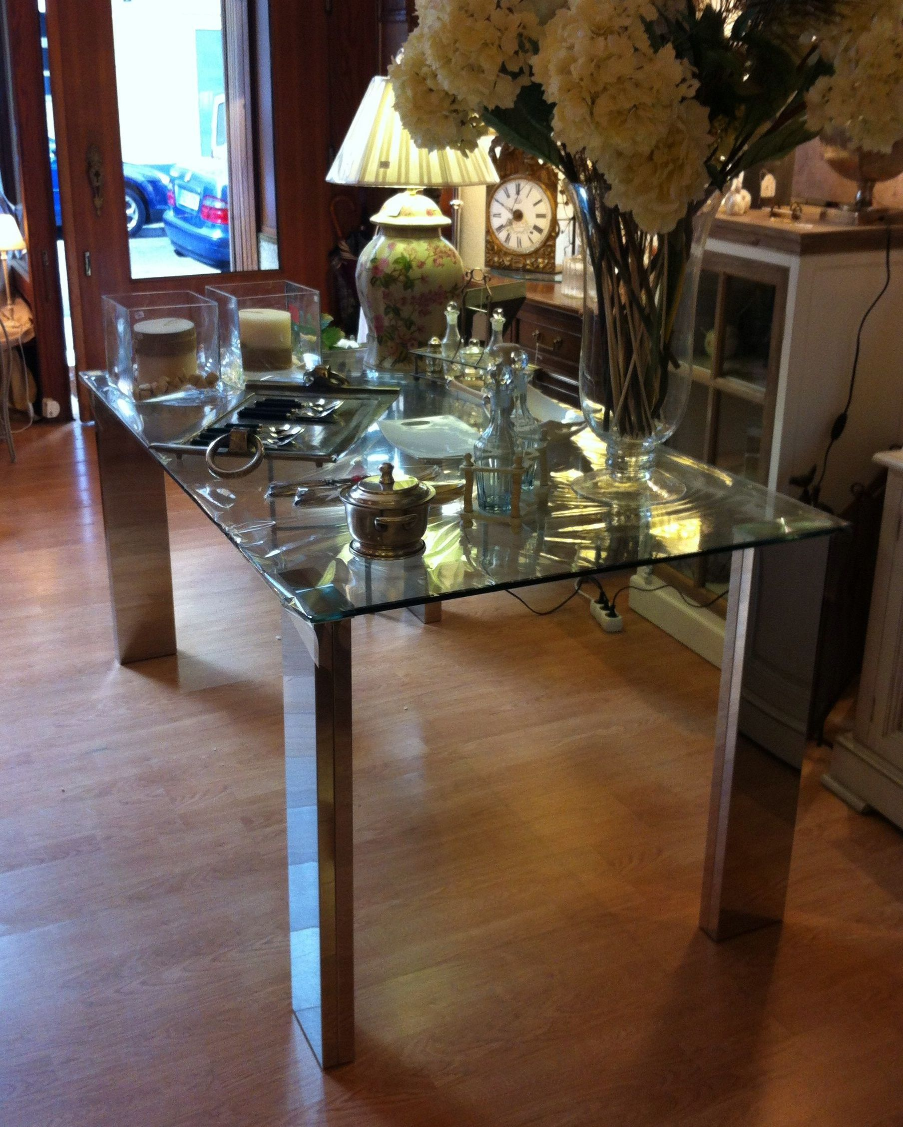 Mesa de comedor de cristal y acero cat logo de ste odile for Mesas comedor cristal y acero