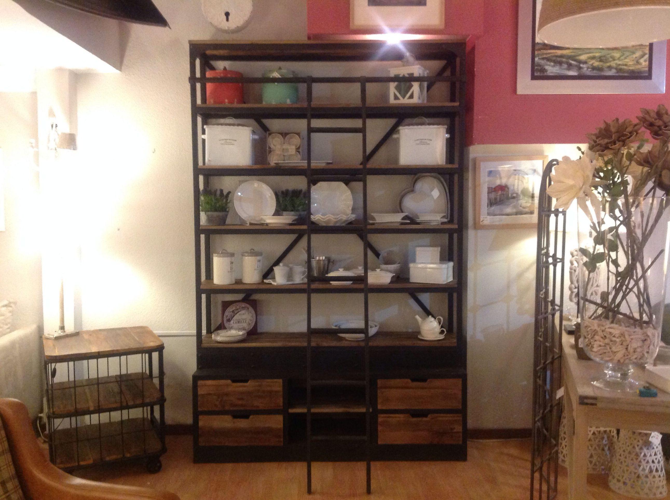 Librer a alta en hierro y madera con escalera cat logo de ste odile decoraci n - Librerias con escalera ...
