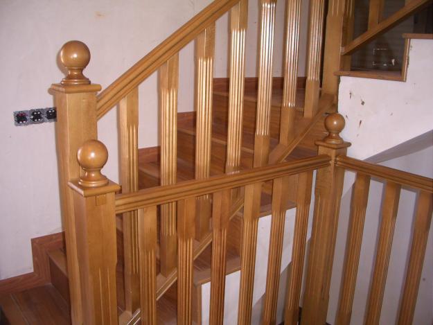 Pasamanos de madera para escaleras cheap cmo instalar barandilla de escalera kit instalacin de - Barandillas de madera para interior ...