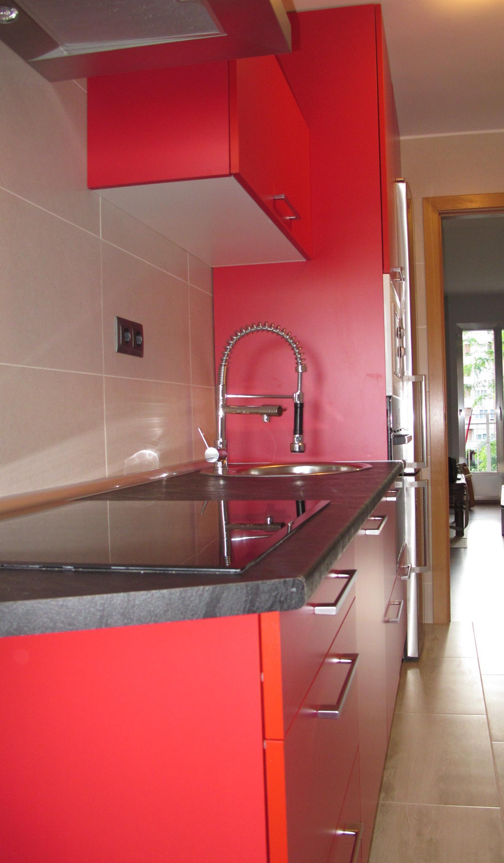 1h oferta muebles cocina mate satinado rojo cat logo de for Ofertas muebles de cocina