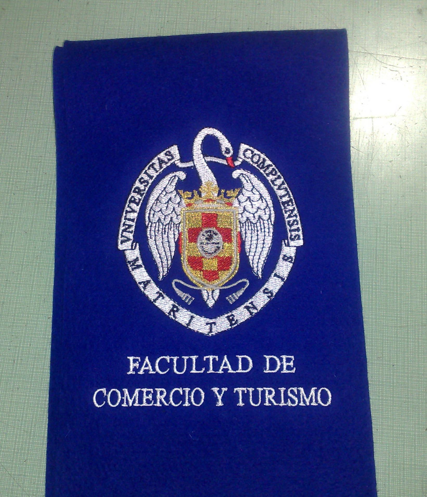 Becas graduaci n cat logo de bordados of bordados - Facultad de comercio y turismo ucm ...