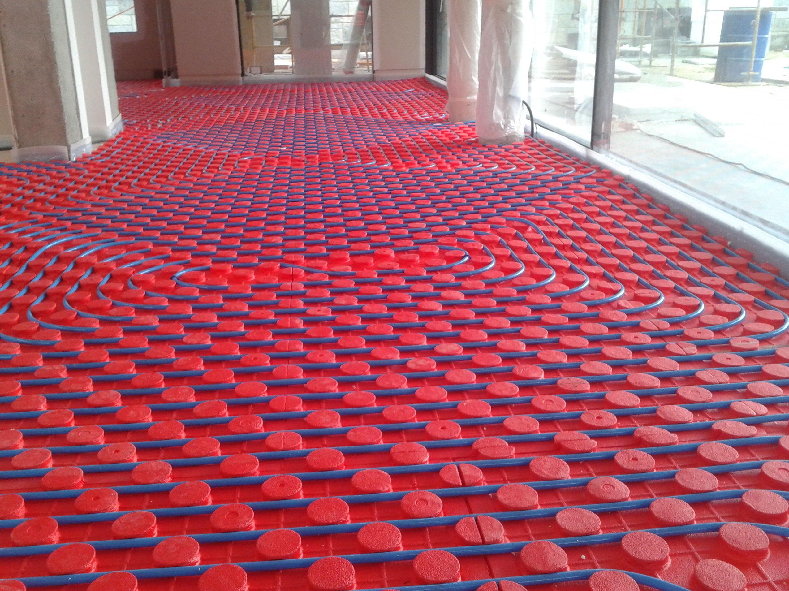Instalar suelo radiante instalacin de calefaccin por - Precio calefaccion suelo radiante ...
