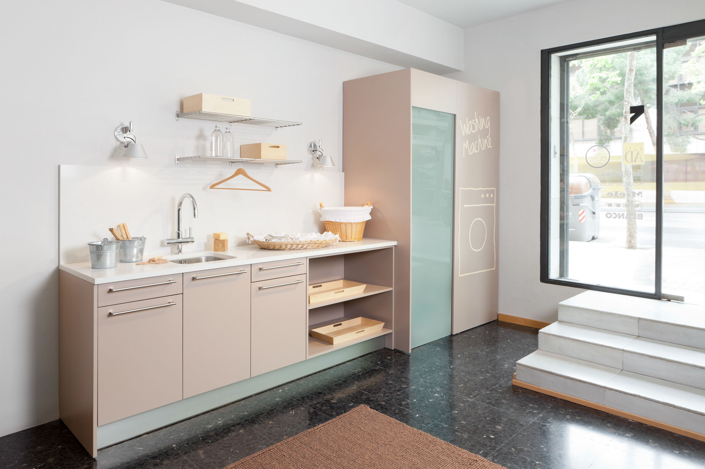 Diseñamos, desarrollamos y fabricamos muebles y accesorios de calidad.